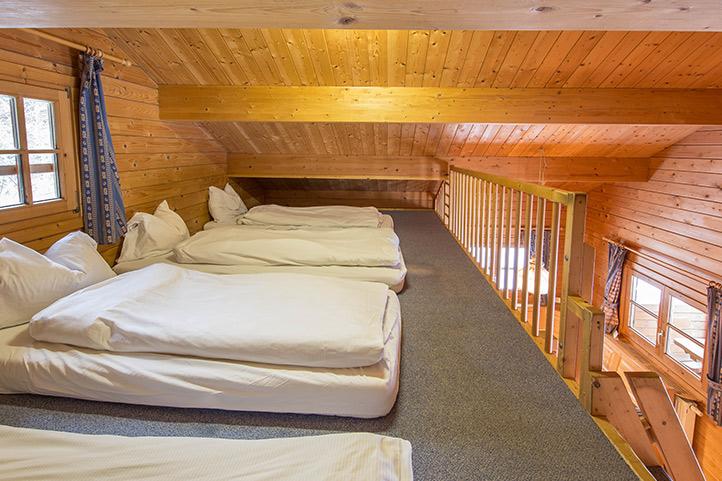 ELRweb_rooms_cabin-comfy-nook_722.jpg