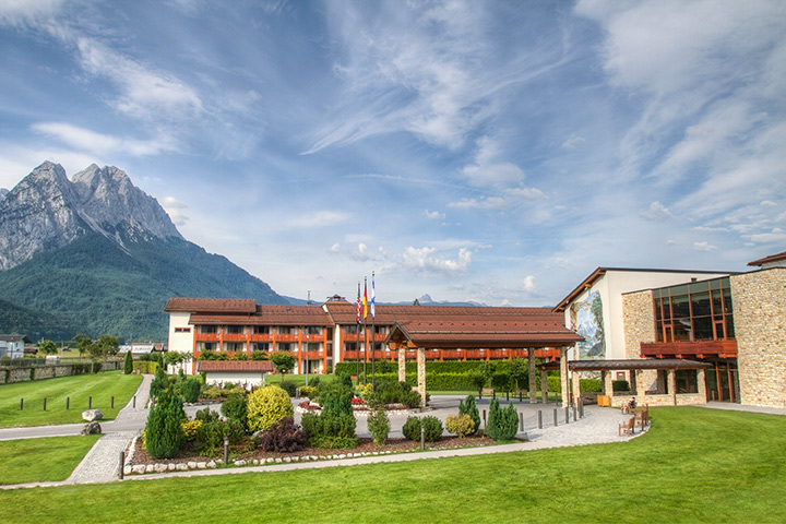 About edelweiss lodge and resort edelweiss lodge and resort for Designhotel garmisch