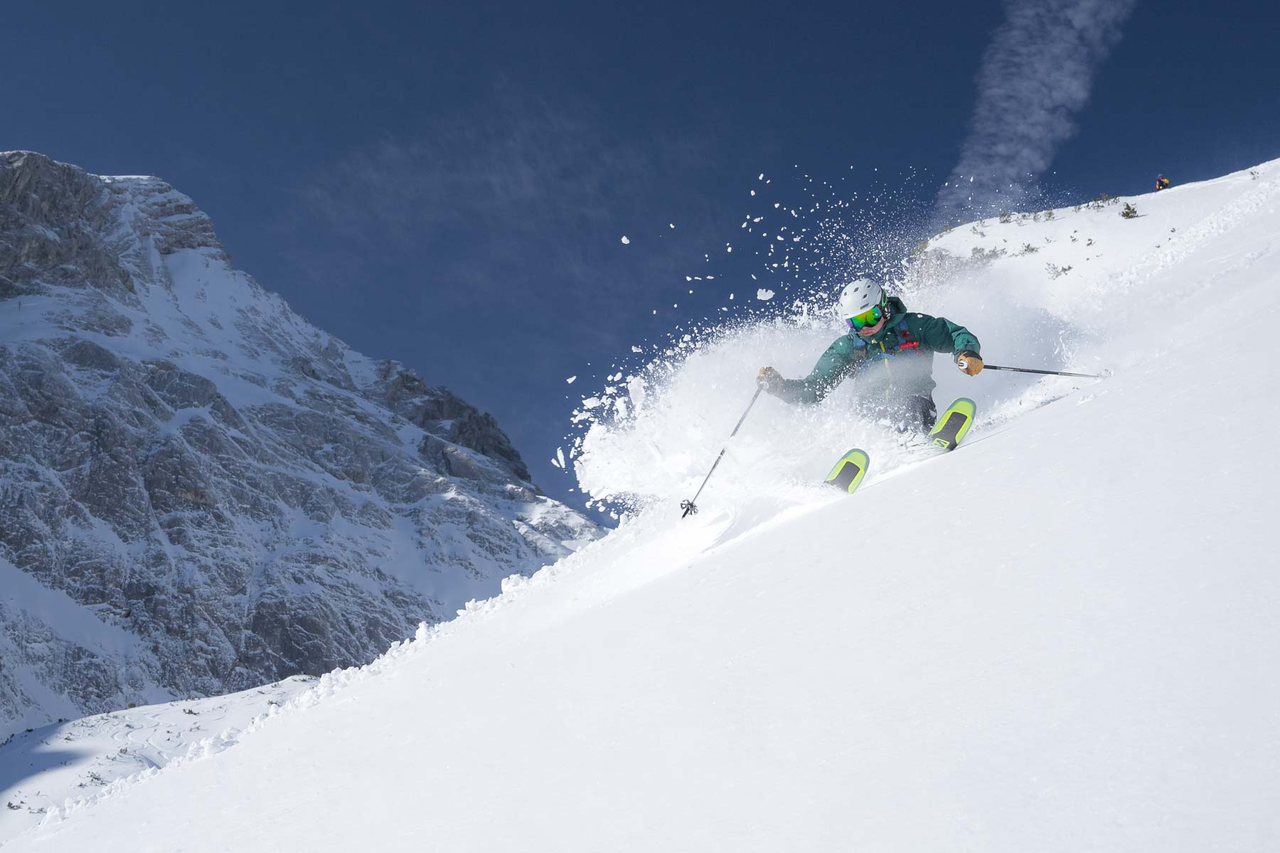 Kyle_skiing.jpg