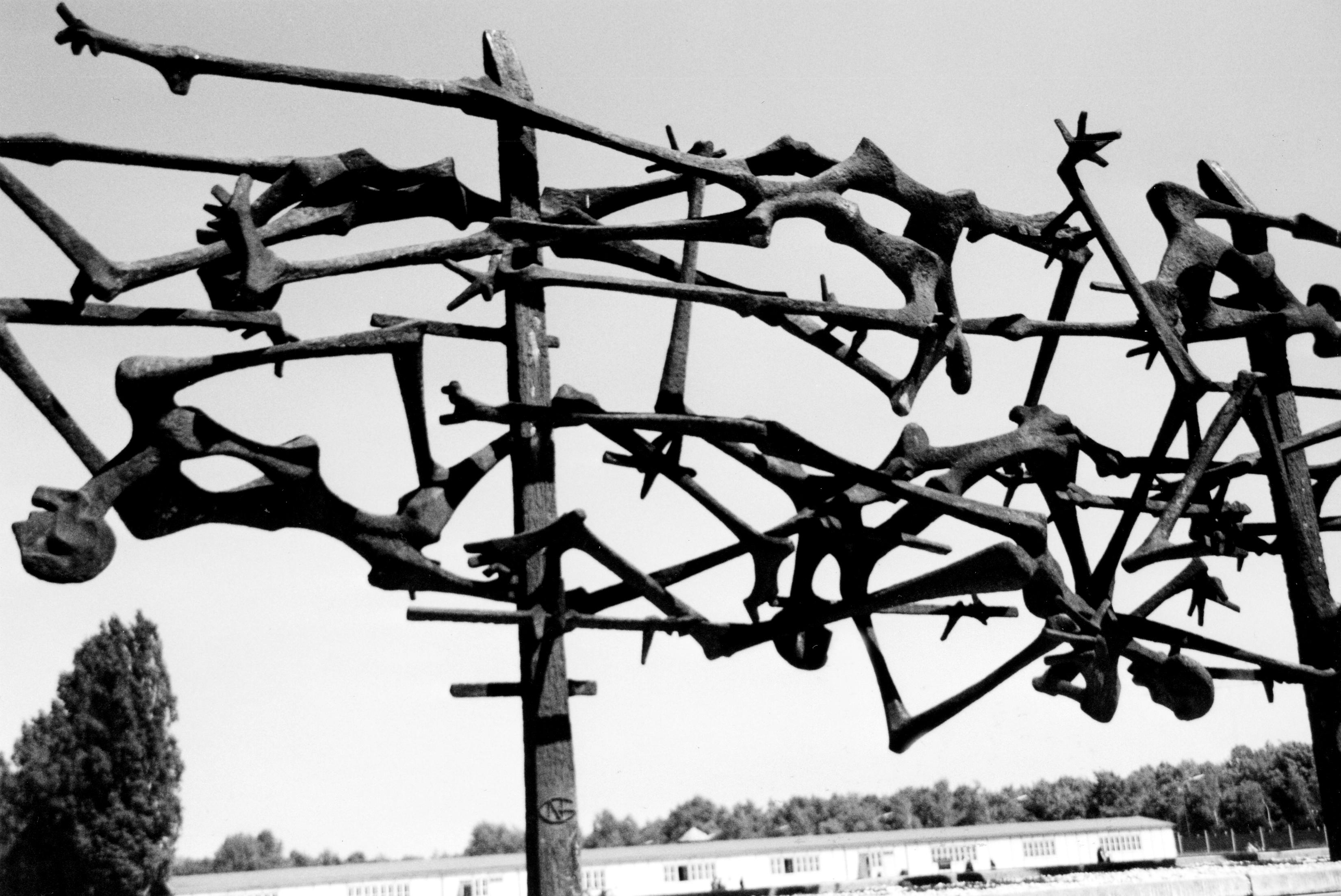 Dachau-BW.jpg